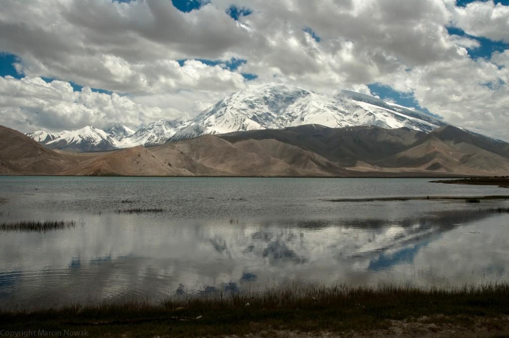 Muztagata i jezioro Karakul