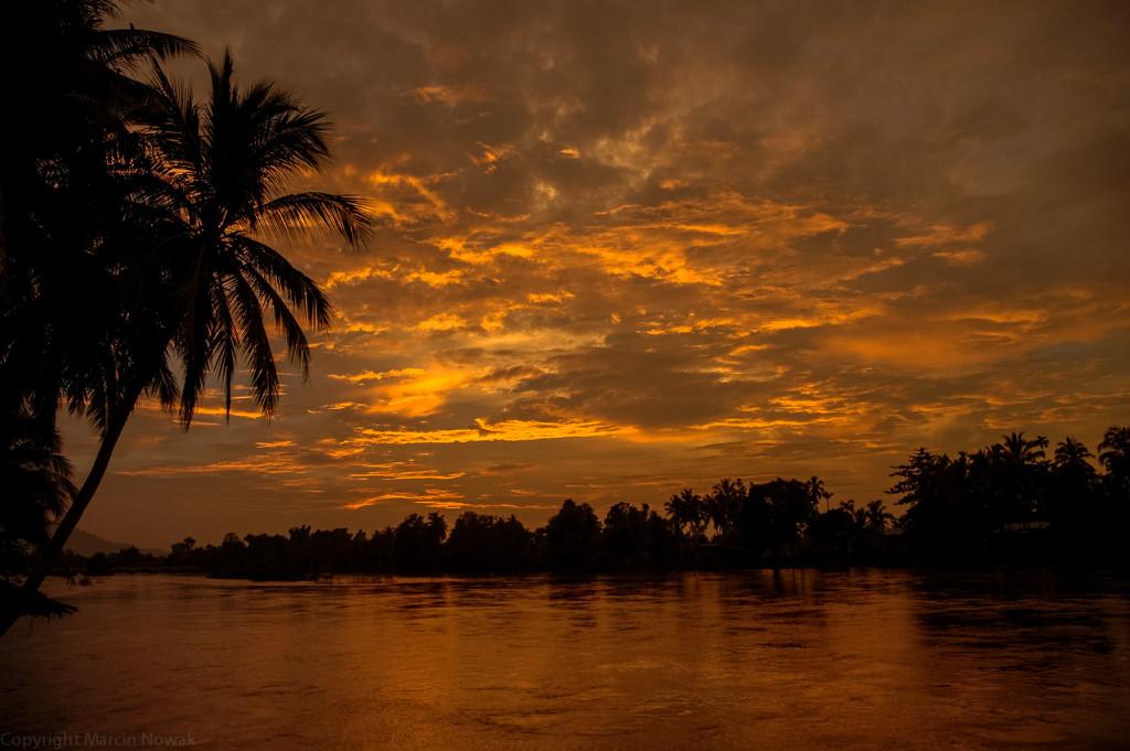 Zachód słońca nad Mekongiem
