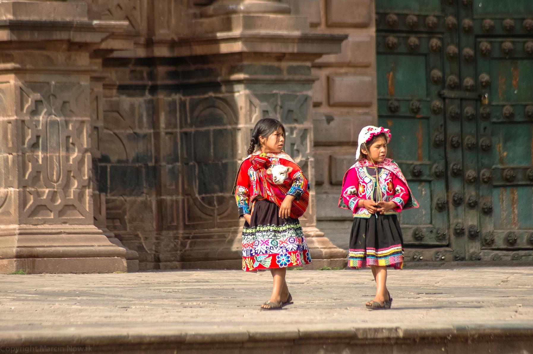 Małe indianki w Cusco