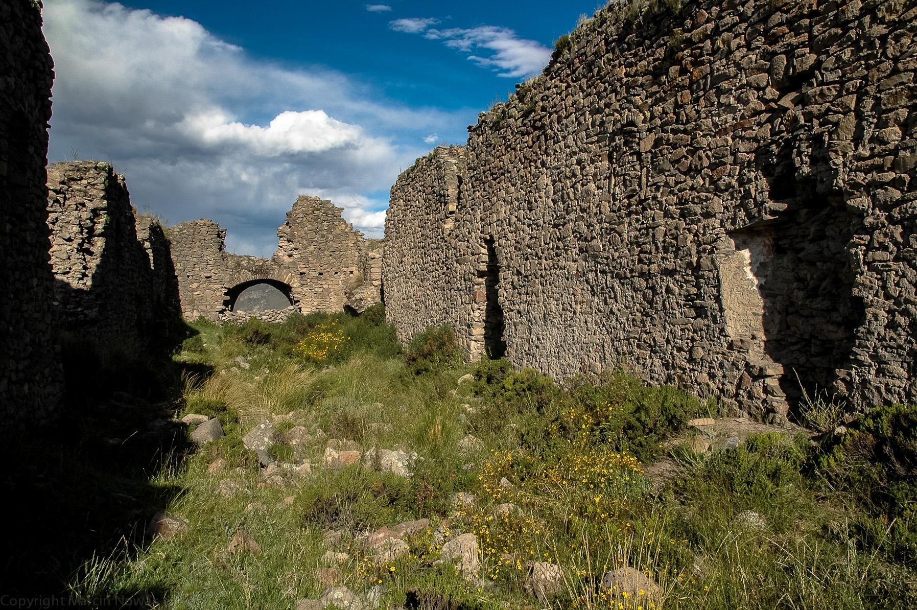 Pozostałości wioski niedaleko Tuti