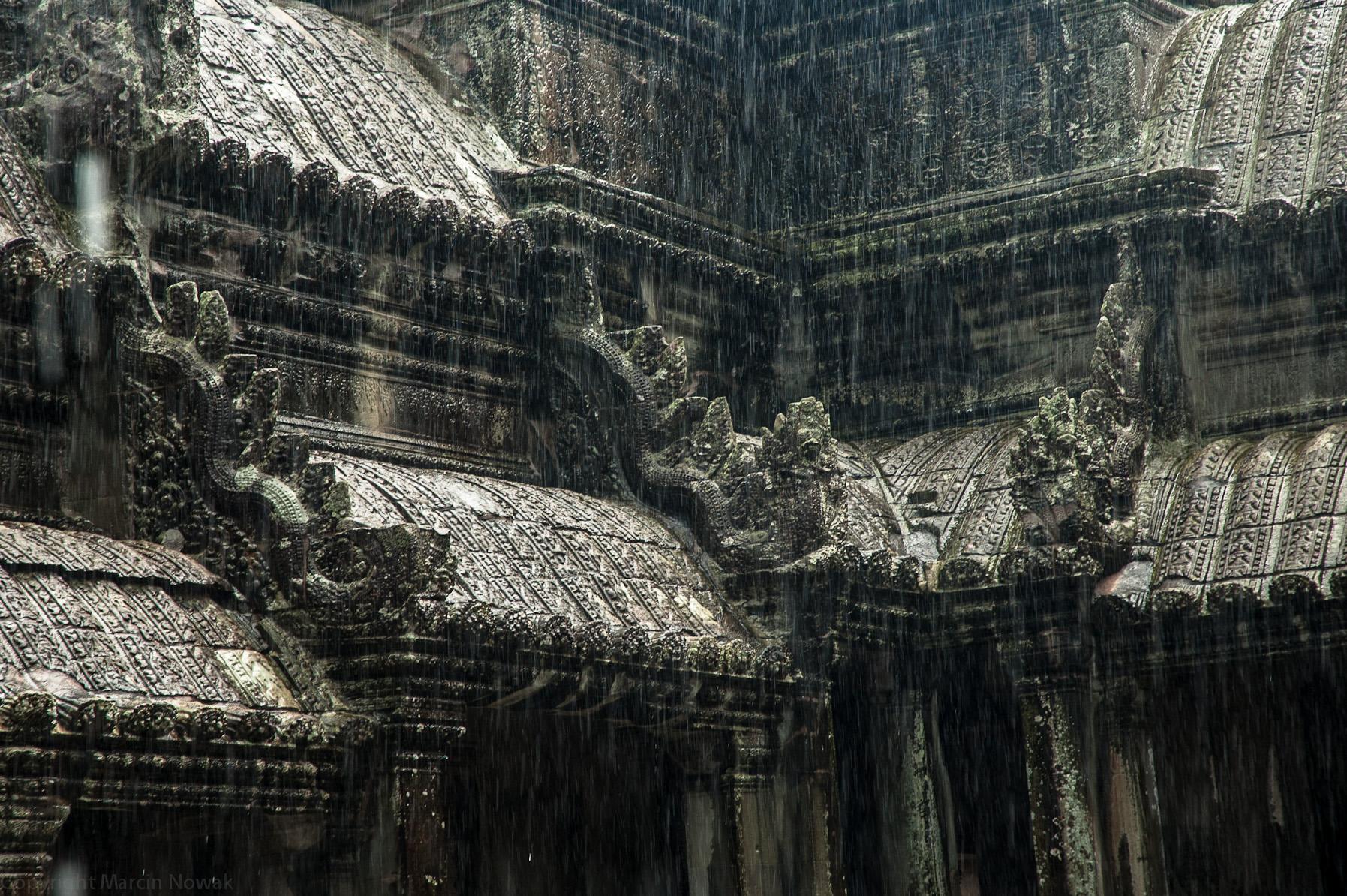 Ulewa w Angkor Wacie