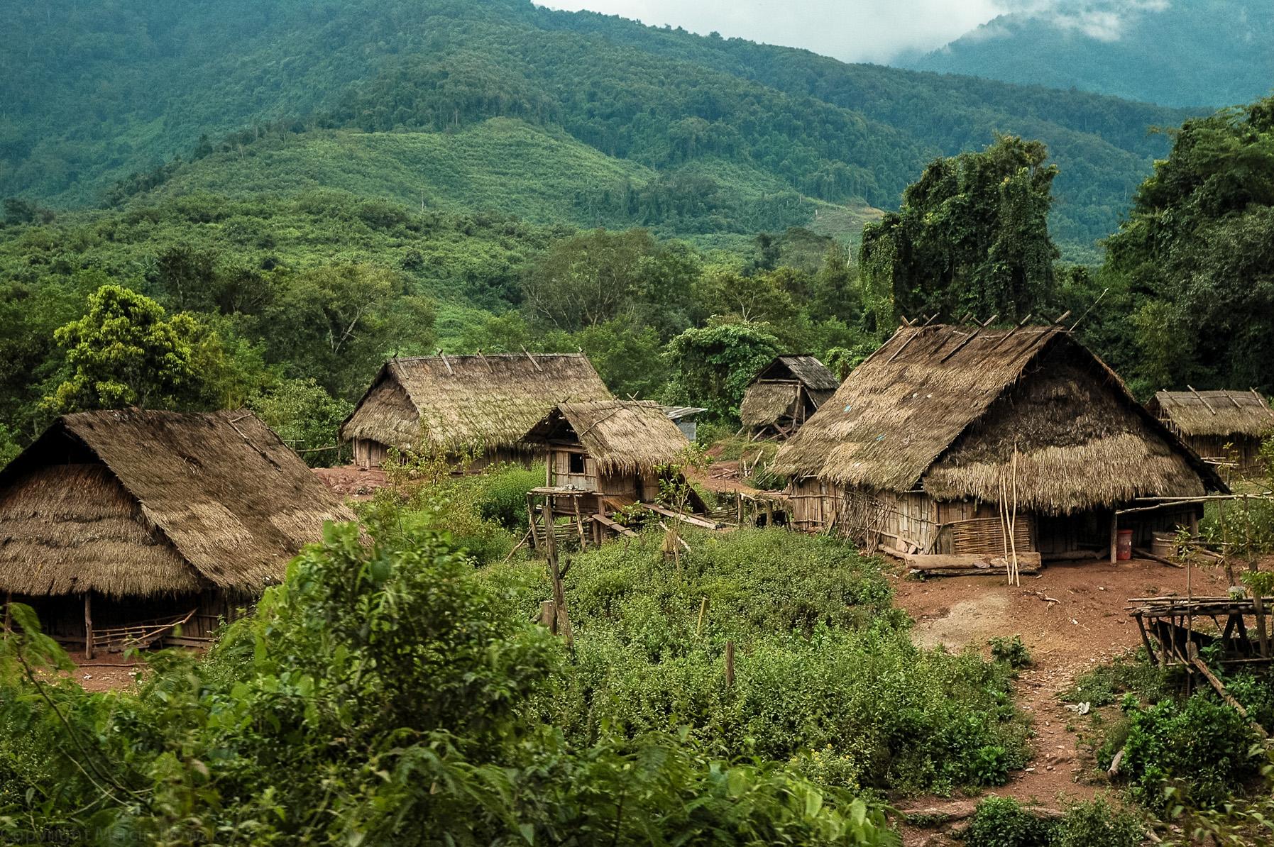 Wioska w górach Laosu