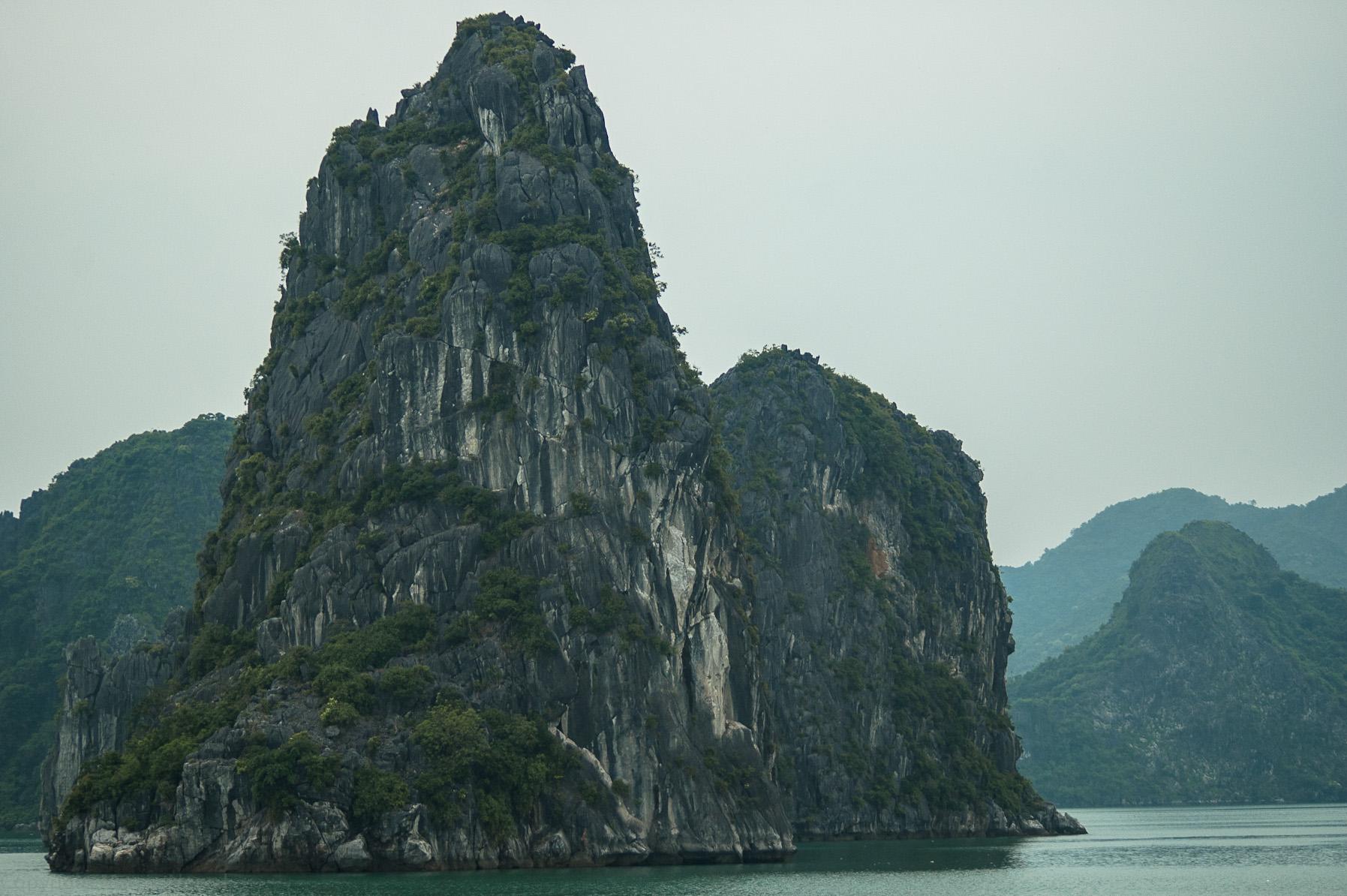 W zatoce Ha Long