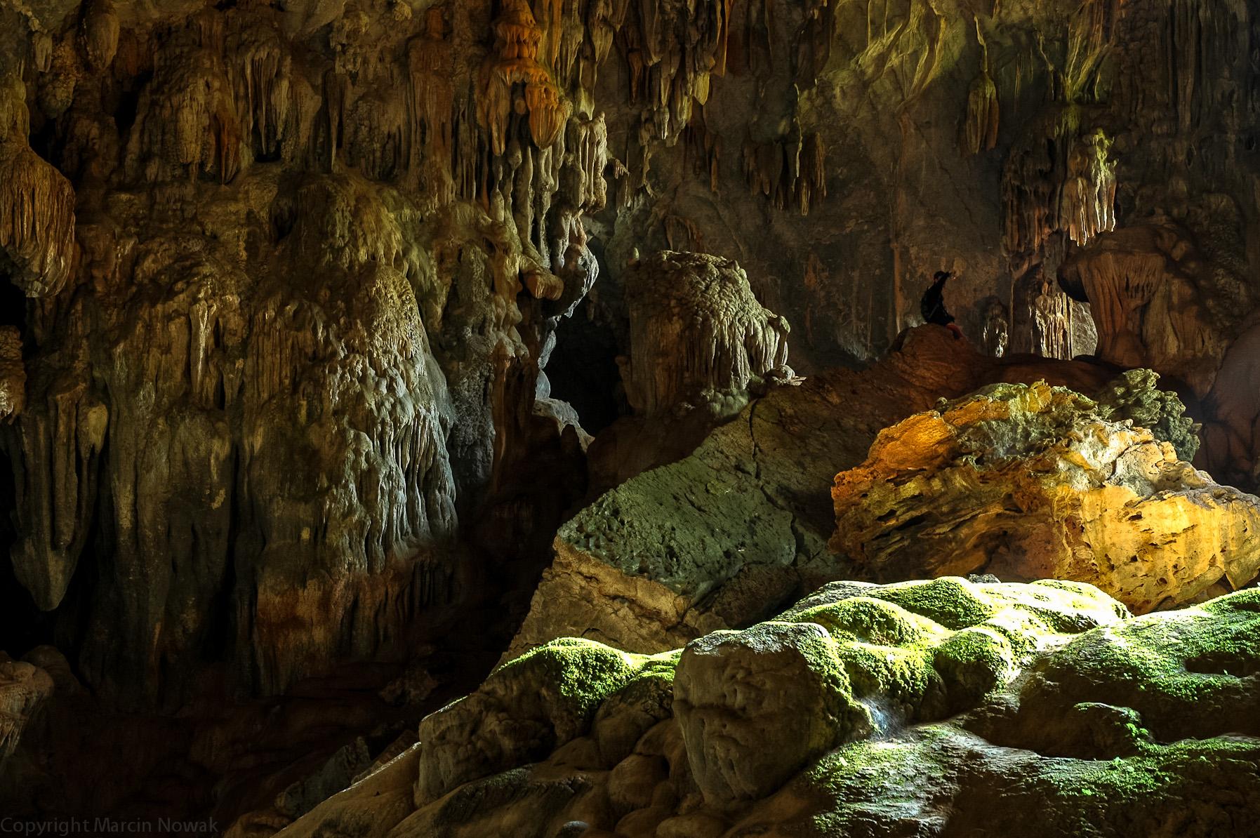 Jaskinia niedaleko Vang Viengu